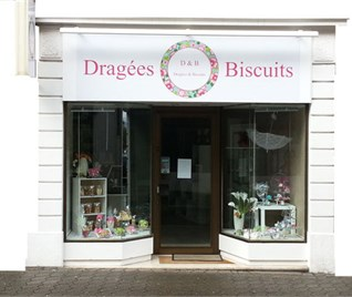 DRAGEES ET BISCUITS